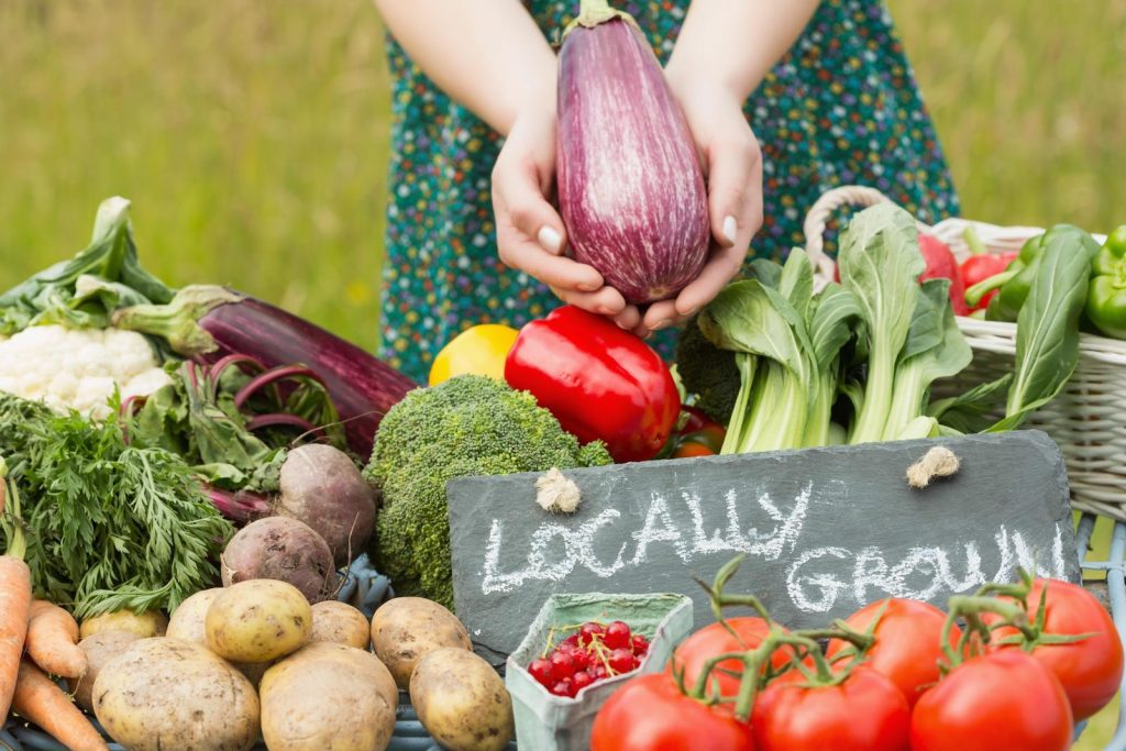 growing local food to be sold off the grid